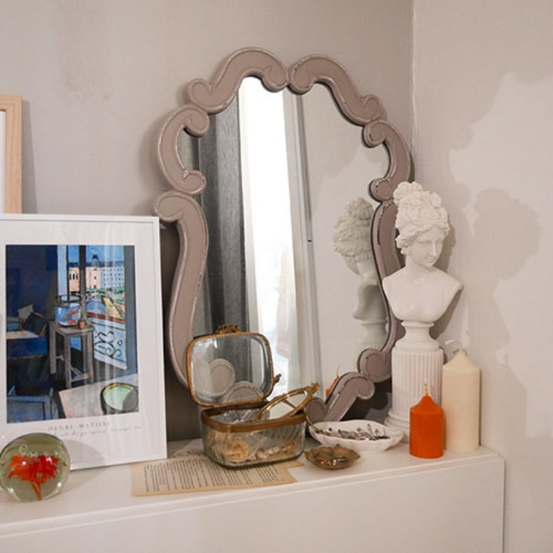 Vintage shape mirror